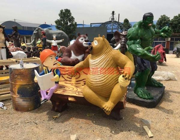 卡通、动物雕塑
